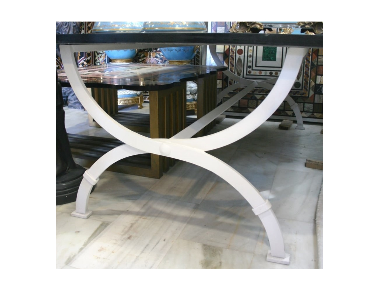 Pie de mesa en hierro forjado pintado de color blanco for Mesas de hierro forjado
