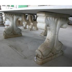 Pies de mesas en mármol con forma de pez