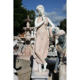 Escultura de mujer de marmol en dos colores