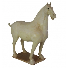 Escultura de caballo de porcelana