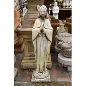 Escultura virgen de piedra recompuesta