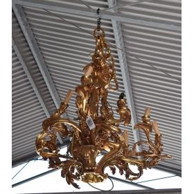 Lampara de techo dorada realizada en bronce