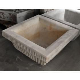 Macetero realizado en marmol