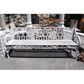 Banco de hierro para jardín en color blanco