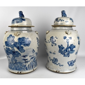 Pareja de tibores chinos en color azul y blanco