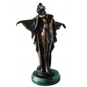 Mujer con brazos abiertos realizada en bronce con peana de mármol