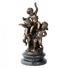 Tres angelotes de bronce con peana de marmol