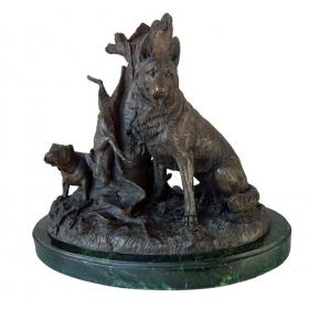 Perro cazador de bronce con peana de mármol