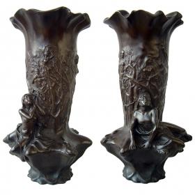 Pareja floreros de bronce