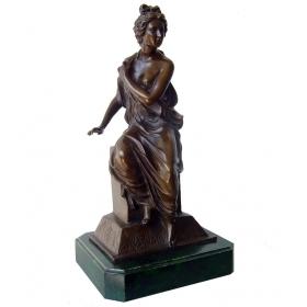 Mujer sentada clasica de bronce con peana de marmol