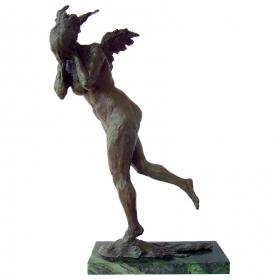 Mujer modernista de bronce con peana de mármol