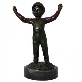Niño con manos alzadas de bronce y peana de marmol
