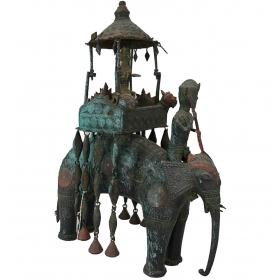 Buda oriental sobre elefante en bronce