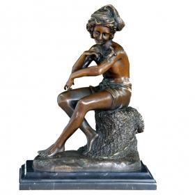 Joven clasico de bronce