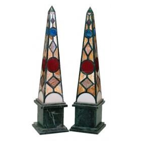 Pareja de obeliscos de piedras duras