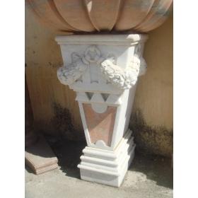 Peana de pared de marmol tallada a mano
