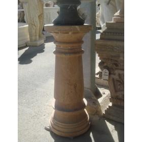 Peana de marmol marron veteado