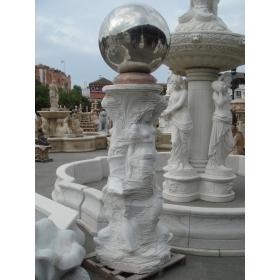 Fuente moderna y abstracta tallada en mármol blanco de Carrara