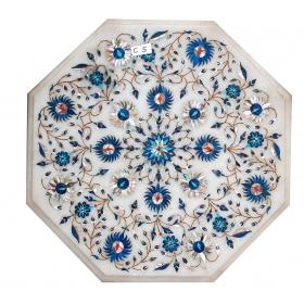 Tablero de mesa octogonal de lapis lazuli y turquesas con incrustaciones de piedras duras