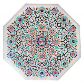 Tablero de mesa octogonal de lapis lazuli, malaquita, madreperla y turquesas con incrustaciones de piedras duras