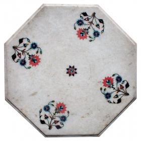 Tablero de mesa en mármol con incrustaciones de piedras duras