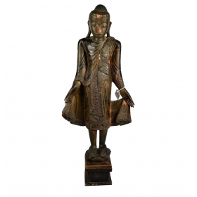 Escultura de buda realizada en madera