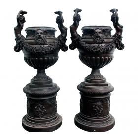 Pareja de copas gigantes realizadas en bronce