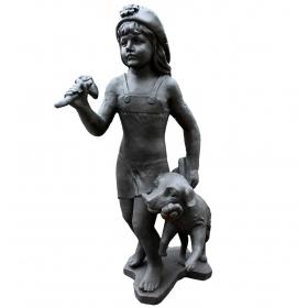 Escultura niña jugando con perro de hierro de fundición