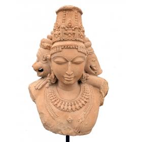 Escultura en piedra arenisca al estilo de los templos del amor