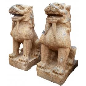 Pareja de esculturas leones de piedra orientales