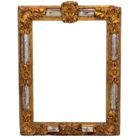 Marco barroco español de madera tallada, corlada y dorada, s.xvii