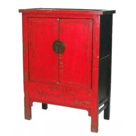 Mueble chino con puertas lacado en rojo