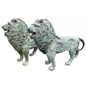 Pareja de leones de bronce a tamaño natural