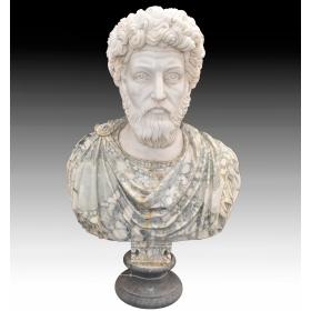 Busto romano realizado en varios tipos de mármol
