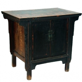 Mueble bajo chino con puertas