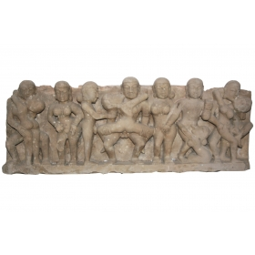 Relieve oriental de piedra