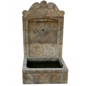 Fuente mediana de pared de mármol envejecido