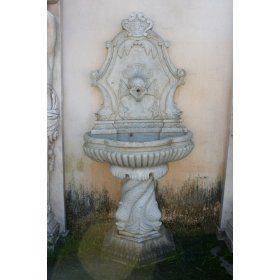 Fuente de mármol para pared con detalles