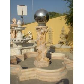 Fuente monumental de mármol con mujeres y bola-