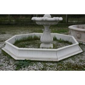 Cerco de marmol blanco tallado a mano