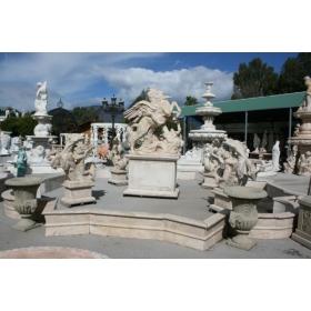 Fuente monumental de marmol