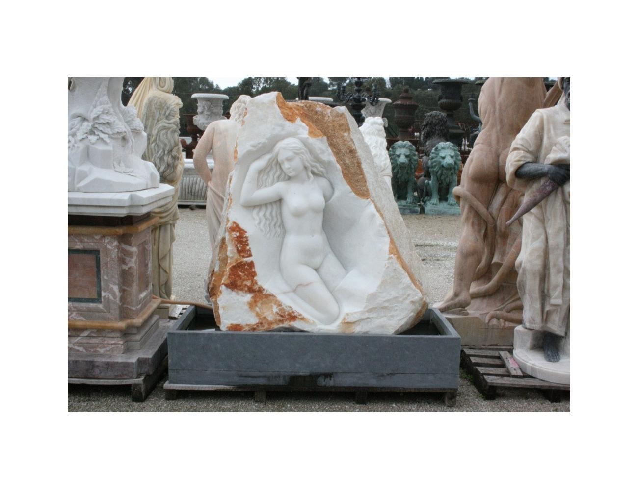 Fuente de m rmol con mujer en roca decoraci n de jardines - Fuentes de marmol para jardin ...
