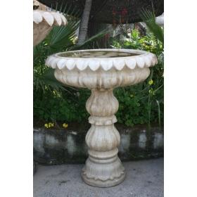 Fuente de marmol envejecido con forma de flor