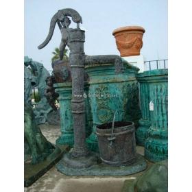 Boca de agua de bronce
