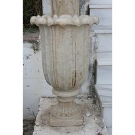Copa de piedra tallada a mano
