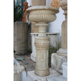 Copa de mármol con peana