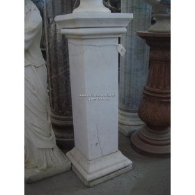 Peana clásica en mármol blanco Carrara