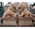 Pareja de leones de mármol