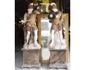 Pareja de guerreros sobre peana realizado en varios tipos de mármol