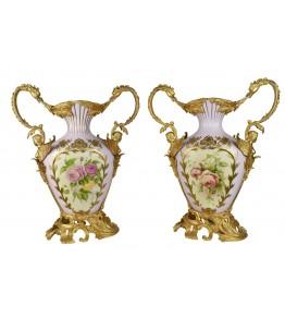 Pareja de copas de porcelana y bronce con decoración floral